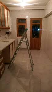 Tutkal hazırlandıktan sonra duvar kağıdının yapıştırılacağı duvara, tutkal sürülür. Fayans Ustune Alci Olur Mu