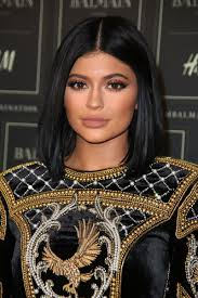 here s how to do kylie jenner s 11 step makeup routine