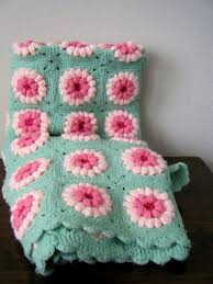 Love this vintage blanket - sea foam green and <b>pink</b> daisy crocheted ...