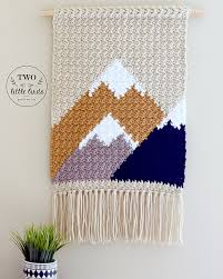 Her colors are pink and grey, so i decided to use white yarn to stand out against. Ravelry The Adirondack Wall Hanging Pattern By Emily Anne
