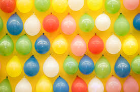 Attach a hook to the wall at each mark, and use the strings to tie the garland to the hooks. 6 Super Easy Balloon Decoration Ideas For Birthday Parties The Urban Guide