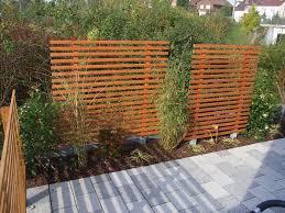 Moderner Sichtschutz Zaun Aus Schwarzem Stahl Garten Pinterest