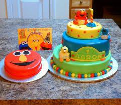 Sesame Street Theme Cake With Elmo Smash Cake Cakecentralcom
