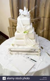 Classic Wedding Cake Stock Photo 8849811 Alamy