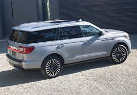 2018 lincoln small suv. exellent small 2018 lincoln navigator rear quarter left photo intended lincoln small suv 2