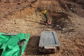 Image result for ủi nghĩa địa làm bài đậu xe