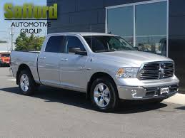 CERTIFIED PRE-OWNED 2016 RAM 1500 4WD CREW CAB 140.5