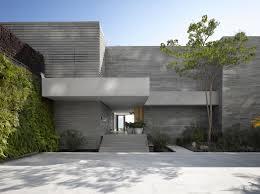 Maison neuve avec vue sur l\u0027eau à l\u0027architecture inspirée des ...