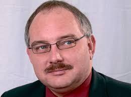 Verließ die Fraktion: <b>Claus Menke</b>. Gegenüber der HNA bestätigte Menke seinen <b>...</b> - 1980955508-1205572972_80581-2zFFQARI34