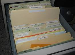 Filing cabinet folders Transparent Background Master Filer Matthew Cornell Says When You Grab Folder From Your Filing Cabinet You Should Lifehacker Filing Cabinet Tip Bookmark Where To Return File