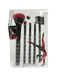makeup 5 piece cosmetic brush set with harley quinn inspired diamond print designs