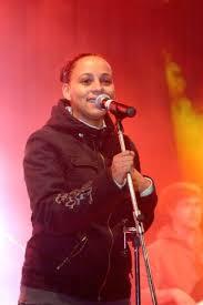 Tina (singer) - Wikipedia