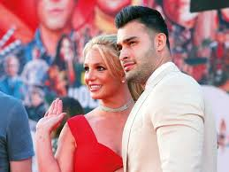 Writer kelly oxford commented on britney's page: Britney Spears Boyfriend Sam Asghari Calls Out Her Father Jamie Hollywood Gulf News