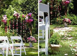 decorating wedding ceremony aisle