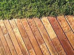 Pavimentazione Balconi Esterni : Idee per pavimenti esterni da giardino