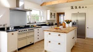 L Shape Kitchen Design Using White Wood Country Cottage Kitchen