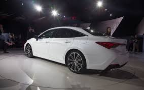 2019 Toyota Avalon Ditches Humdrum Design for Something Dramatic ...