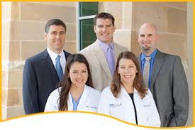 group picture of bariatric surgeons of the top weight loss clinic san antonio