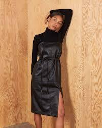 <b>Платье</b> на бретелях в интернет-магазине — <b>12Storeez</b>