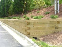 exellent retaining cement retaining wall looks like wood dynamic precast wooden with steps to build and wooden retaining walls d