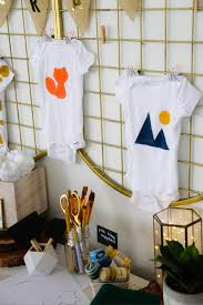 Design A Onesie Baby Shower Set Up A Diy Baby Shower Onesie Station Hgtvs Decorating