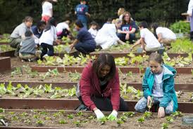 White House Kitchen Garden Michelle Obama Plants Vegetables With A Bunch Of Cute Kids In The