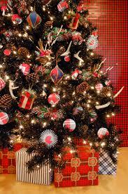 Plaid Christmas Tree Black And Plaid For Christmas Blogtreetopiacom Blog