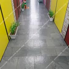 Além disso, a durabilidade dos revestimentos de ardósia e a facilidade de sua manutenção e limpeza lhes. Pedra Ardosia Cinza Piso Jr Pedras