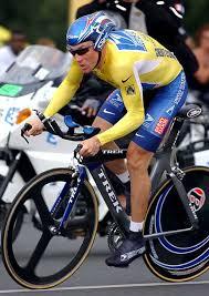 「2005年 - ランス・アームストロングがツール・ド・フランス7連覇を達成」の画像検索結果