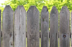 how do i know when it s time to replace my wood fence
