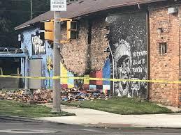 Witnesses say lightning destroyed ...