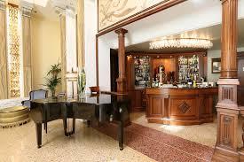 Mobili Design Di Lusso : Interni bar hotel arredamento design lusso