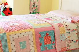 A Quilt for Her Bed ~ Fresh Lemons Modern Quilts & IMG_2566. This is a quilt ... Adamdwight.com