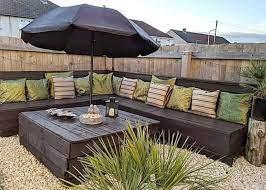making impressive outdoor furniture set