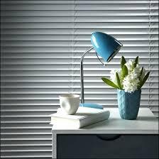 clean blinds in bathtub