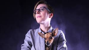 DeAnne Smith Wonders If She's a Lesbian or 'Agender.' She's Definitely  Funny.