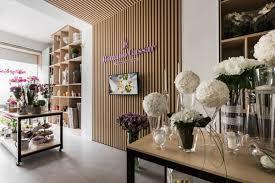 Modern Flower Shop Interior Design Modern Flower Shop In 2019 Store Design Retail Design