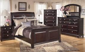 Outlet Bedroom Furniture Piroska Upholstered Bedroom Set Shay Chest Platform Bedroom Set