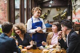 Znalezione obrazy dla zapytania waiter