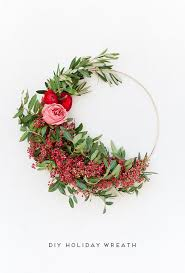 Christmas Paper Flower Wreath 55 Diy Christmas Wreaths How To Make A Holiday Wreath Craft