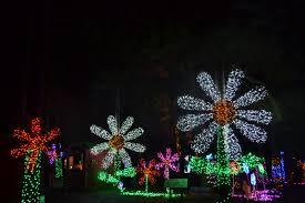 Silverton Oregon Garden Lights Oregon Magic And Tradition Mix At Christmas In The Garden
