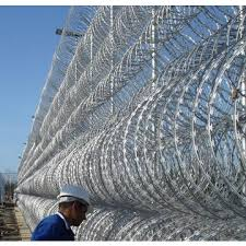 China Razor barbed wire fence for prison on Global Sources