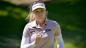 Fighting putter and missing family, Brooke Henderson looks to ...