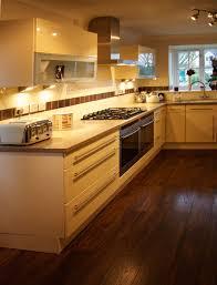 Latest Trends In Kitchen Flooring Modern Kitchen Flooring Trends Best Kitchen Ideas 2017
