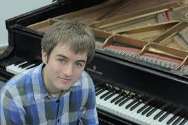 Travis Reynolds Milwaukee Pianist Jjplays Com