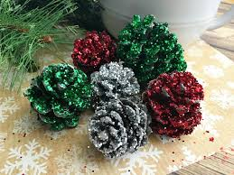 Easy Christmas Craft Ideas Pine Cone Crafts · All Things ChristmasChristmas Pine Cone Crafts