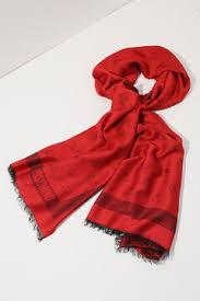 Женские <b>шарфы</b> и платки <b>Moschino</b> - купить в интернет ...