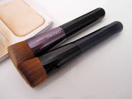 shiseido perfect foundation brush and 131 foundation brush