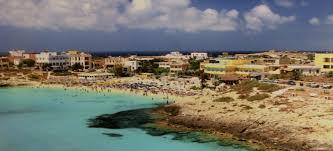 Lampedusa Eroi E Antieroi Nellisola Dellaccoglienza La Sicilia
