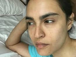 in a bid to introduce cindy crawford s woke up this way challenge in stan model nadia hussain posted a no make up selfie and challenged mahira khan